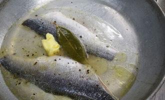 Сибас жареный на сковороде