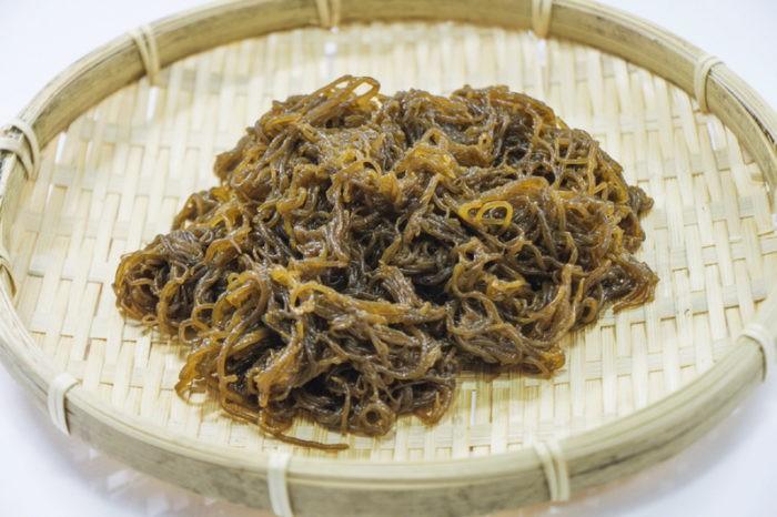 Японские водоросли модзуку