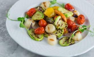 8 ярких рецептов салатов из гребешков