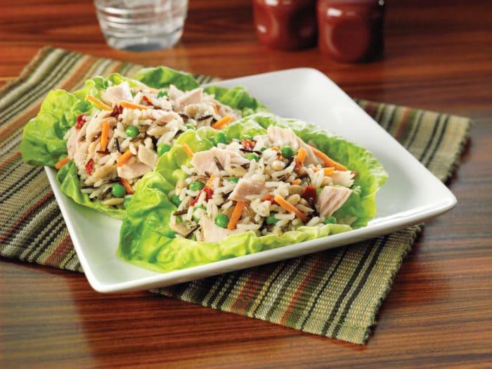 Топ-25 лучших рецептов салатов с консервированным тунцом