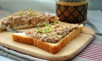 бутерброд с треской