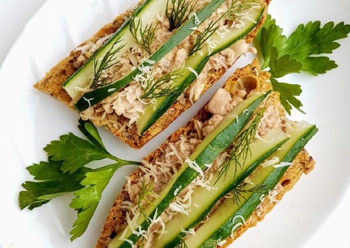 бутерброды с треской