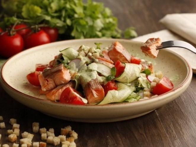 вкусный салат норд с лососем