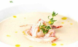 способ подачи крабового супа к столу