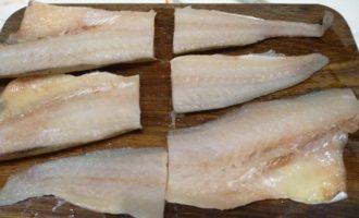 Полезный ужин для всей семьи за 30 минут: рыбка минтай в духовке