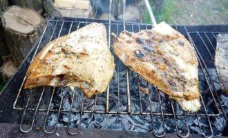 рыба жаренная на решетке