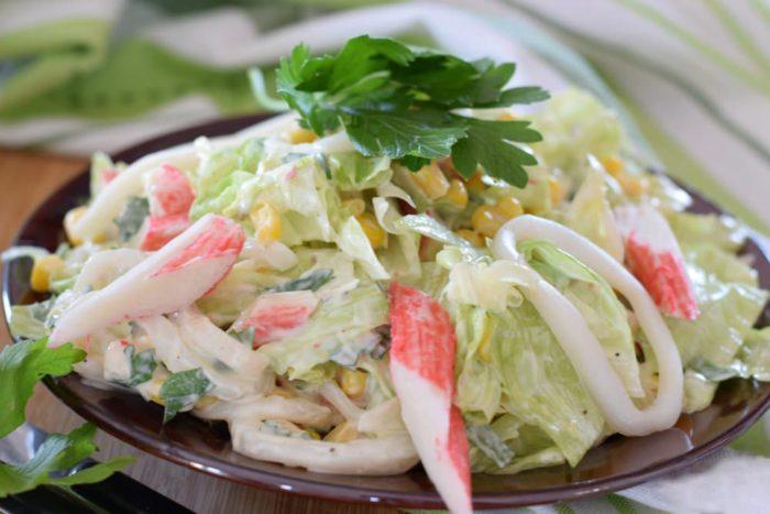 крабовый салат с майонезом