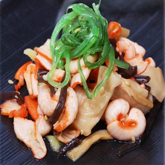 диетический салат с кальмаром и чукой