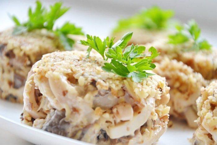 салат из кальмара с плавленным сыром
