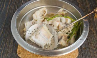 Наваристы рыбный суп из минтая