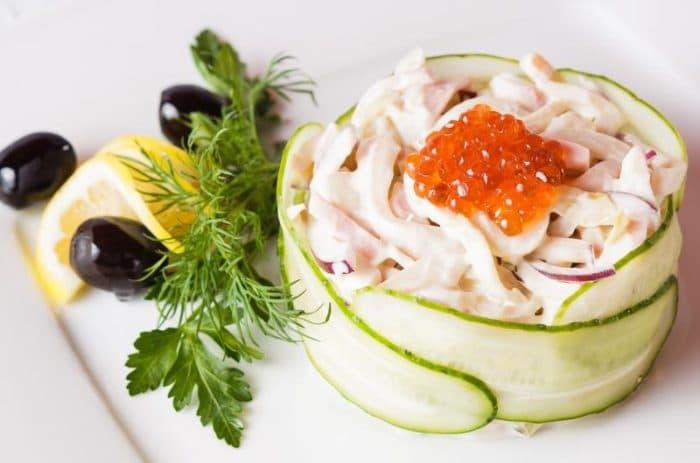 «Камчатский» салат с красной икрой