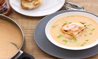 вариант подачи супа на стол