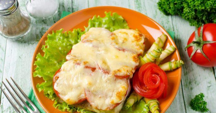 горбуша с сыром и томатами