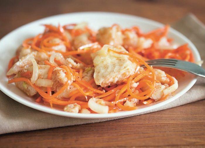 толстолобик маринованный с морковью
