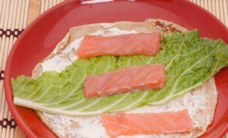 блины с рыбой и капустой