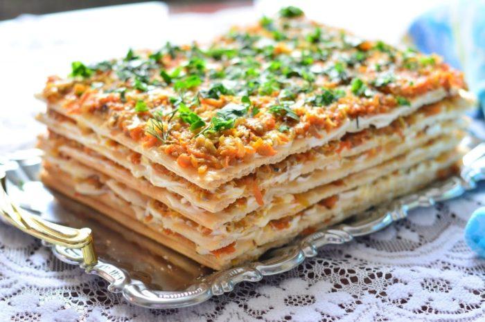 слоеный торт из скумбрии