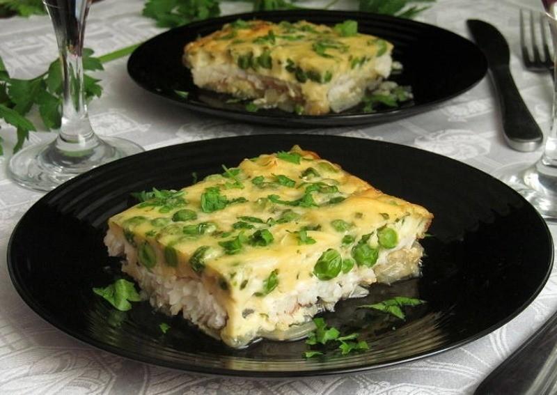 омлет с рыбой и зеленым луком