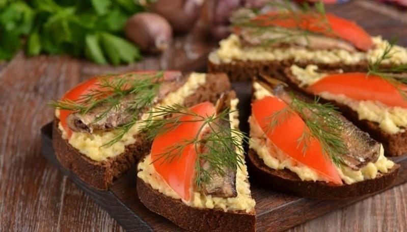 Чем удивить гостей: 5 холодных рыбных закусок с эффектной подачей