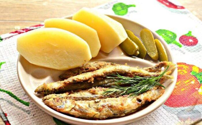 Мойва запеченая с картошкой