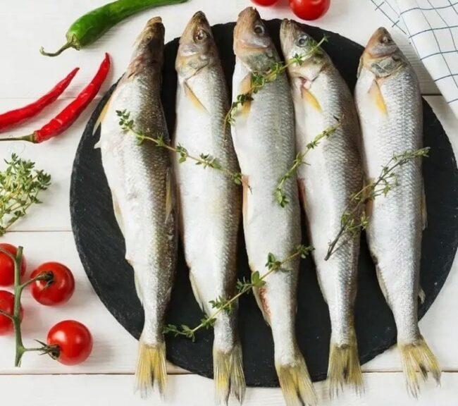 разнообразные варианты подачи рыбы корюшка