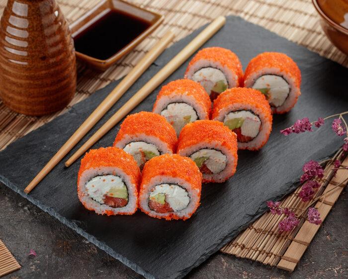 тобико используют для приготовления суши и роллов