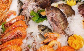 разнообразие морепродуктов на рынках