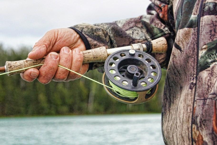 как ловить рыбу на удочку в июле